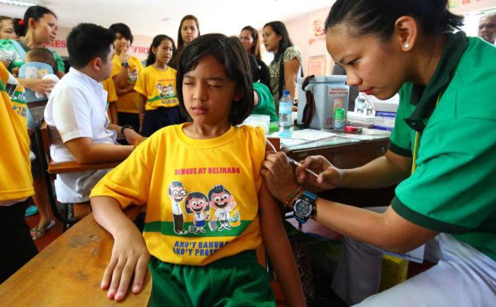 Filipinas prueba vacuna contra el Dengue