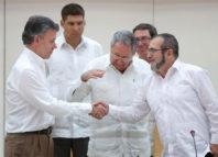 Colombia y Farc acuerdan paz tras 52 años de guerra