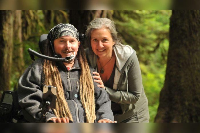 Ian Mackay recorre casi 500 kilómetros en silla de ruedas