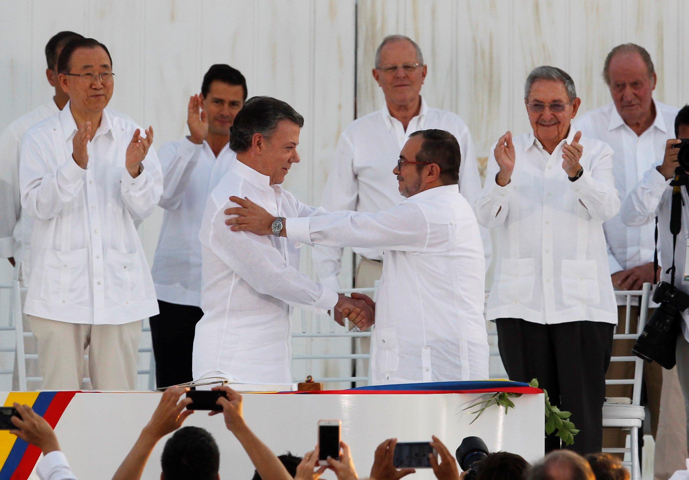 Colombia firma tratado de paz con las FARC