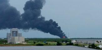 Cohete SpaceX explota antes de despegar