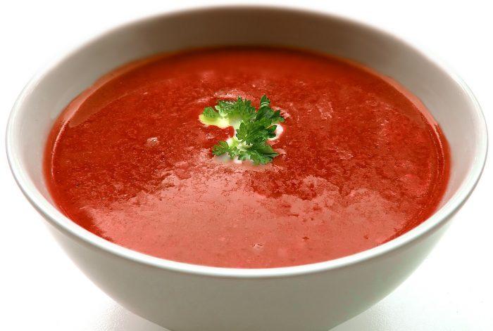 Sopa de pimentón asado
