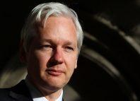 Ecuador interrumpe internet de Julian Assange