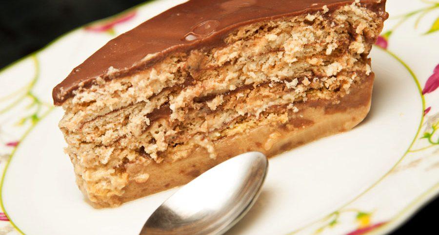 Torta de Galletas con natilla de chocolate